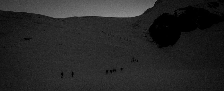 """La """"processione"""" nella notte"""
