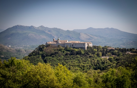 """Abbazia vista dalla """"Casa del medico"""""""